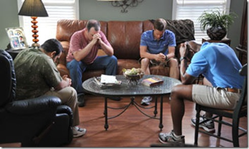 courageous-scene-men-praying