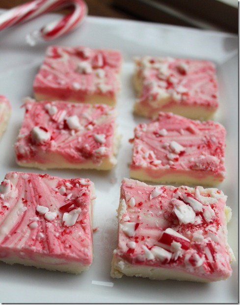... Vanilla Frosting 1-½ teaspoon Peppermint Extract 12 drops Red Food