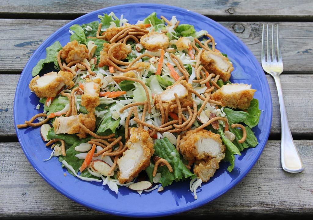 Just Like Applebee's Oriental Chicken Salad | 4 little Fergusons