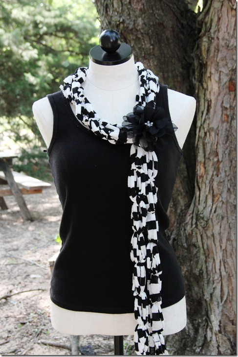 T-Shirt Scarves: The Perfect Gift! (4/6)