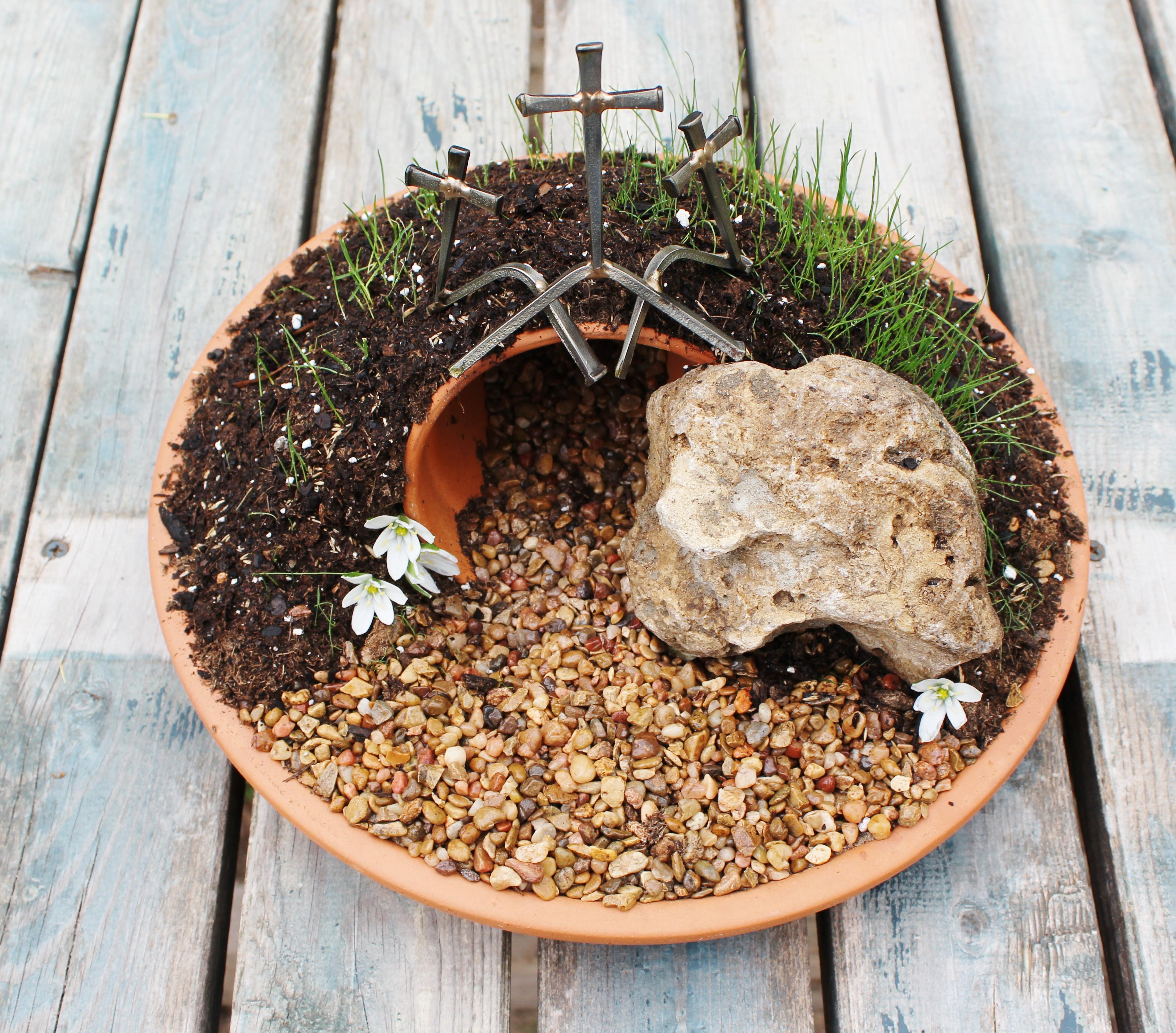 Resurrection Garden | 4 little Fergusons