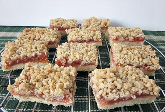 Rhubarb Steusel Shortbread Bars
